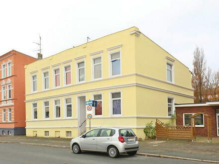 TT Immobilien bietet Ihnen: Voll vermietetes Putzhaus in Innenstadtlage!
