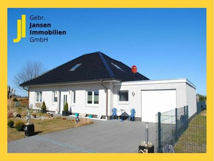 TOP-gepflegter, neuwertiger Winkelwalmdach-Bungalow mit Feldblick in Nähe von Esterwegen!