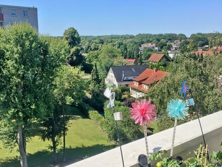 Disteln: moderne 2,5-Zimmer-Wohnung mit Balkon im 5.OG - erreichbar per Aufzug