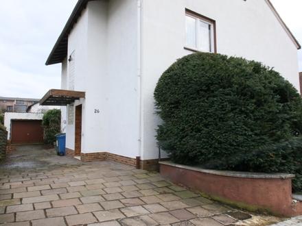 Ruhiges Zweifamilienhaus in bester Lage von Groß-Umstadt
