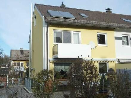 Gepflegtes Reiheneckhaus in ruhiger Lage mit Balkon, Terrasse und Garten, 96117 Memmelsdorf