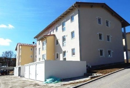 Erstbezug: Exklusive 3 Zimmer Wohnung mit Terrasse & Gartenanteil, im Passauer Westen zu vermieten!