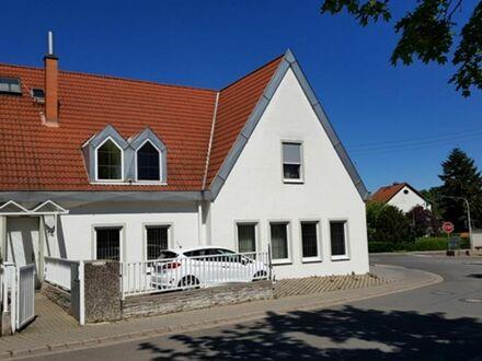 Büro-/Praxisfläche mit Parkplätzen in zentraler Lage von Monsheim zu vermieten
