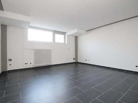 BERK Immobilien - Modern ausgestattete Büroflächen im Souterrain zu vermieten - klein aber fein !