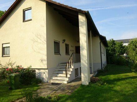 Haus mit Ausbaureserve in zentraler Lage
