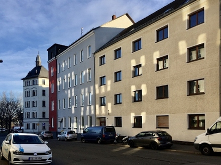 Familienwohnung + 5 Raumwohnung + 2 Bäder + großer Gemeinschaftsgarten in Chemnitz Sonnenberg mieten