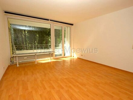 Helle 3 1/2-Zimmer-Wohnung in 7-Parteienhaus mit zwei Balkonen und schönem Blick ins Grüne