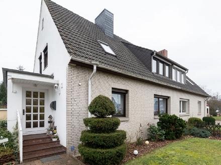Solide Doppelhaushälfte auf großzügigem Grundstück