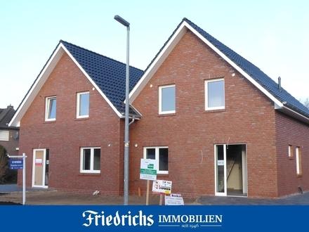 Vier attraktive Neubau-Doppelhaushälften mit Carport in Edewecht-Friedrichsfehn