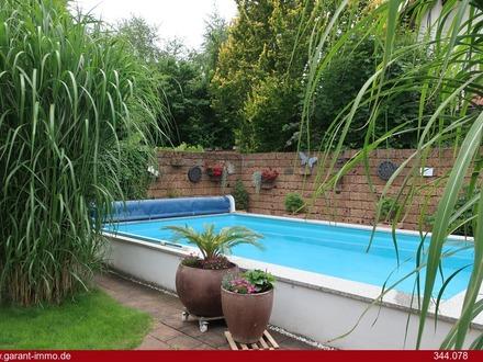 Solide Doppelhaushälfte für die Familie mit Pool und vielen Extras