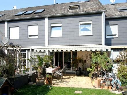 Entzückendes und komfortables Reihenmittelhaus für die Familie in Frankfurt-Sindlingen!