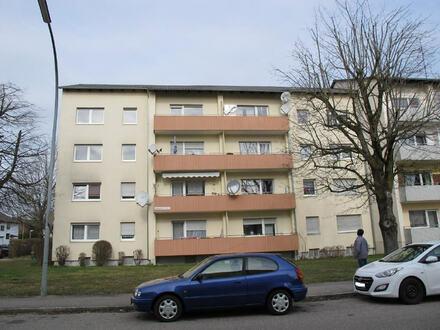 Familienfreundliche 4 Zimmer Wohnung (3.OG) m. Balkon u. Tiefgarage in Burgkirchen