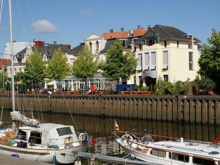 Bürofläche, Stau, am Stadthafen, Oldenburg.