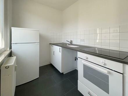 Helle 2 Zimmer Wohnung mit Einbauküche am Waldrand