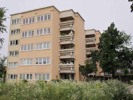 Hochwertig renovierte 2 Zimmer Erdgeschosswohnung mit Terrasse, Garten u. Stellplatz in Altötting