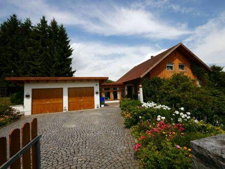 Haus mit Doppelgarage und Wintergarten