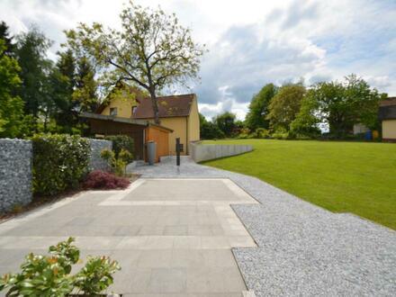 """""""Das Haus im Haus"""" - Exklusive 5-Zimmer-Wohnung mit herrlichem Garten und riesiger Terrasse"""