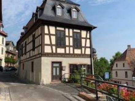 Fachwerkhaus mit 3 Wohneinheiten u. historischen Gewölbekeller