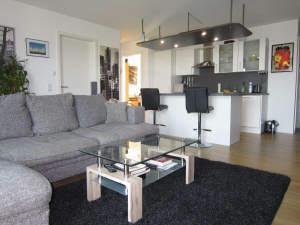 Moderne Wohnung mit Balkon und TG-Platz in ruhiger, stadtnaher Lage