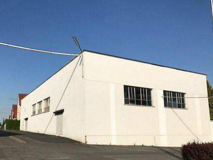 Lichtenfels ** Lagerhalle ** beheizbar ** ca. 1300 m² ** fast 5 m Innenhöhe **