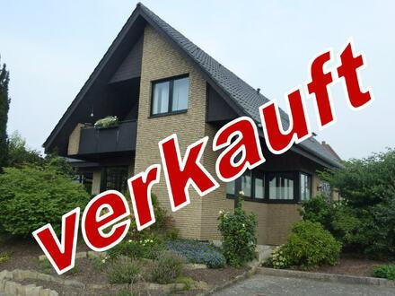 Äußerst gepflegtes und großzügiges Wohnhaus mit Doppelgarage und Vollkeller!