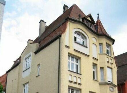Modern renovierte Jugendstil-Wohnung mitten in der Stadt