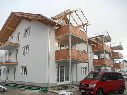 Kleine Wohnanlage mit Sicht auf die Balkone