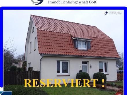 gepfl. Einfamilienhaus mit Einliegerwohnung in Ocholt
