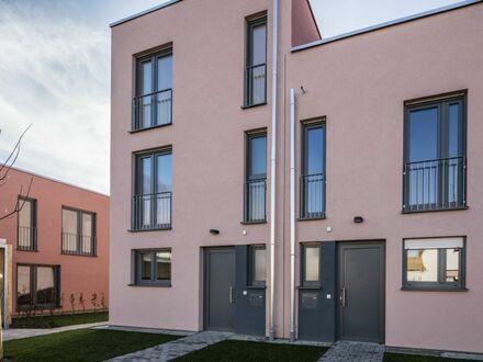 Viel Platz für Ihre Familie: Großzügiges Patiohaus mit 5 Zimmern und Dachterrasse