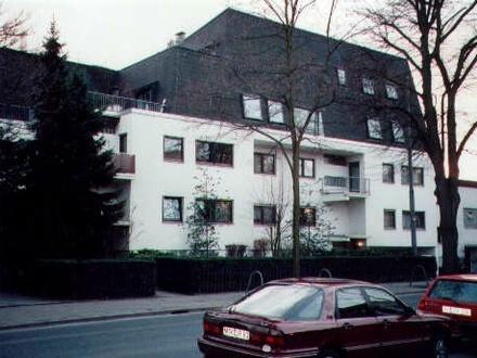 Schöne 2 Zimmer Wohnung mit Küche und Bad am Rhein