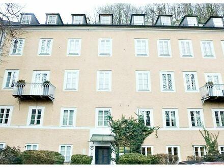entzückende 2 Zimmer Wohnung in der Imbergstraße mitten in der Altstadt