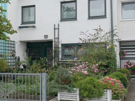 RESERVIERT!!!LAYER IMMOBILIEN: Reihenmittelhaus in ruhiger Lage in Klosterlechfeld sucht Handwerker