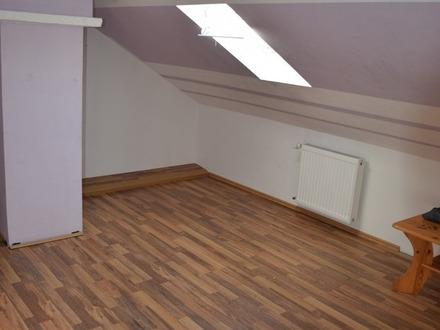 Neue, geräumige 3-Zimmer-Dachgeschoss-Wohnung in Haßloch