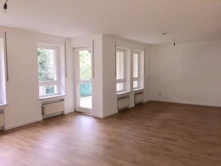 Toll geschn. 4Zi.-Wohnung, ruh. Zentrumslage an max. 3 Pers.! Balkon und Tiefgarage Gütersloh