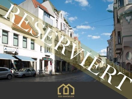 Reserviert: Viertel / Anlage: Traumhafte, modernisierte Stadtwohnung mit Balkon in Bestlage