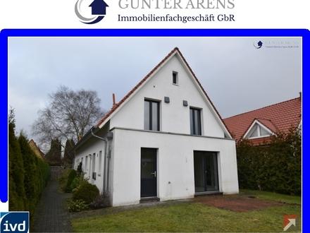 gepflegte, neuwertige Doppelhaushälfte mit Carportstellplatz in Oldenburg