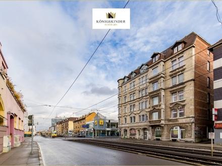 Aufgepasst! 4-Zimmer-Altbauwohnung zentral in Stuttgart mit Balkon, Stellplatz und neuwertiger EBK