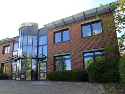 Attraktive und helle Büro- und Geschäftsräume in repräsentativem Gewerbeobjekt im Industriegebiet