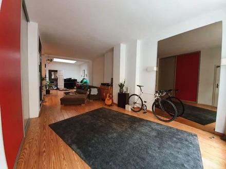 Stilvolle, geräumige 1-Zimmer-EG-Wohnung mit Einbauküche