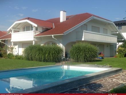 Liebevoll gestaltete Villa in zentraler, aber ruhiger Lage mit großem Grundstück