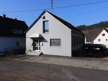 Werkstatt/ Lager mit Wohnung in Herdorf