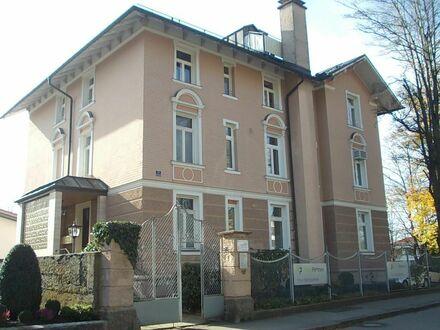 Villa Eingangsseite