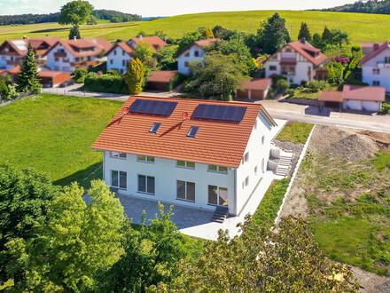 Neubau: Repräsentative Doppelhaushälfte bei Schlier