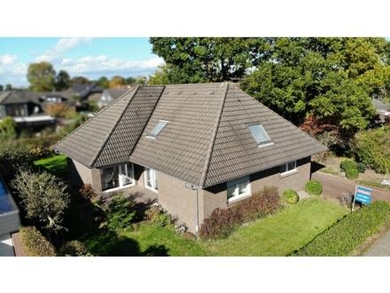 Provisionsfrei für Käufer: Gr. Bungalow mit rd. 180 m² Wfl. in ruhiger Lage von Wahnbek