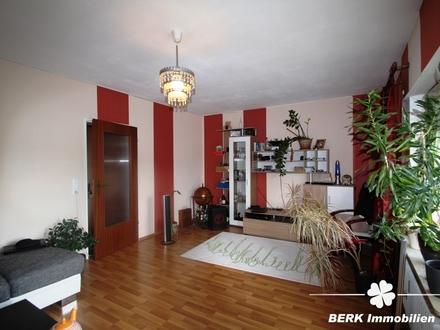 BERK Immobilien - 2-Zimmer-Wohnung mit Balkon in Feldrandlage von Kahl!