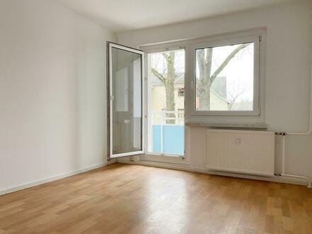 2-Raum Wohnung im 1. Obergeschoss mit Dusche und Balkon!