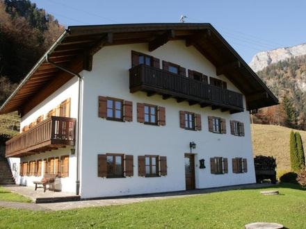Allein stehendes Haus mit 2 Wohnung im Berchtesgadener Land, Marktschellenberg