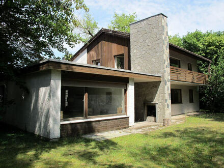 .....schönes sanierungsbedürftiges Einfamilienhaus auf gr. Grundstück, eingewachsen in ruhiger gehobener Wohngegend von Altötting