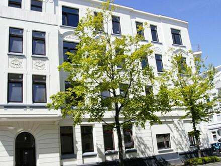 Frisch Vollsaniert: Helle 2-Zimmerwohnung mit tollen Altbaucharme, 1. OG rechts, Deb.-Nr. 71217