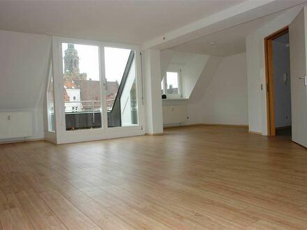 HN-CITY/ KÄTCHENHOF: Renovierte 4 1/2 Zimmer DG-Wohnung mit Einbauküche
